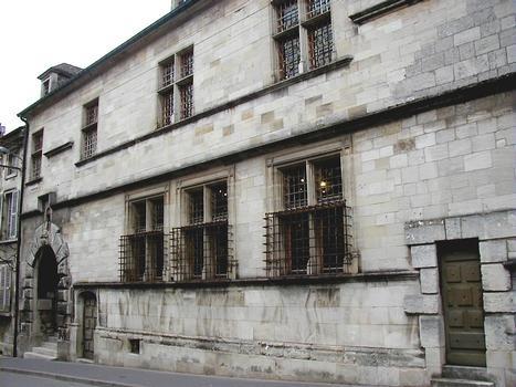 Verdun - Palais du Primacier - Façade sur rue