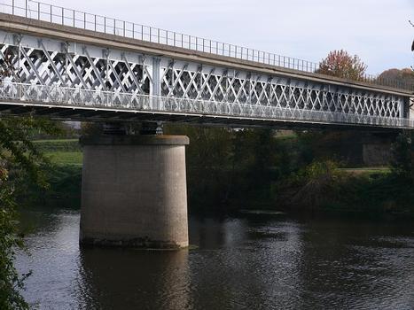 Eisenbahnviadukt Châtellerault (flußabwärts)