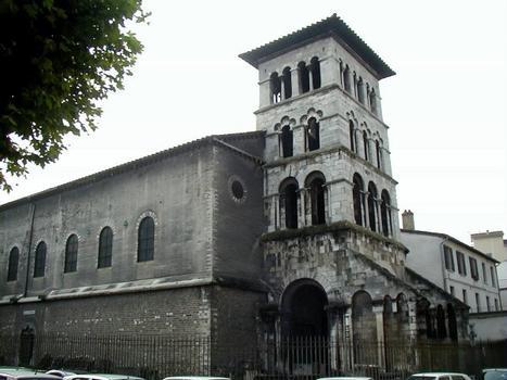 Eglise Saint-Pierre à Vienne Eglise du 5 ème siècle et clocher-porche du 12 ème siècle