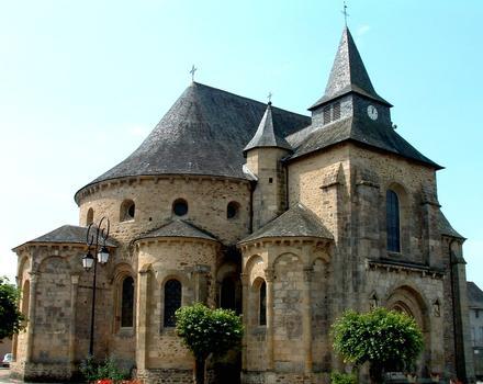 Vigeois - Ancienne abbatiale Saint-Pierre - Vue du chevet et du transept Nord
