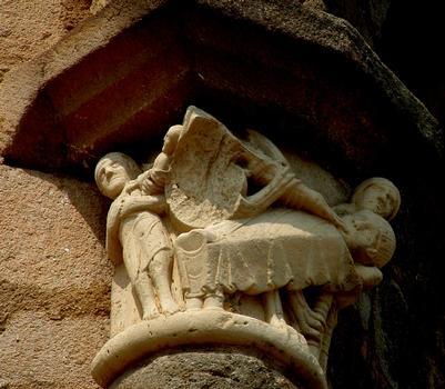 Vigeois (Corrèze) - Ancienne abbatiale Saint-Pierre - Chevet - Chapiteau «La mort de Lazare»