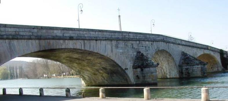 Pont de Villeneuve-sur-YonneEnsemble