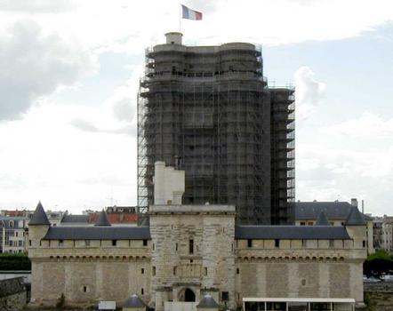 Château de Vincennes Donjon - Ensemble en cours de restauration
