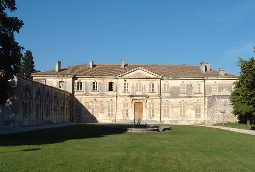 Viviers - Hôtel de ville (ancien Evêché) - Façade sur cour