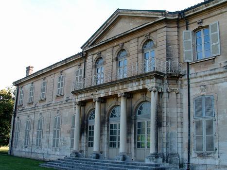 Viviers - Hôtel de ville - Façade côté jardin - Ensemble