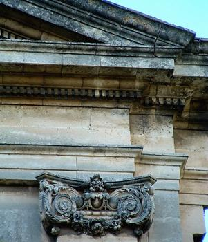 Viviers - Eglise Notre-Dame-du-Rhône - Façade - Détail du chapiteau