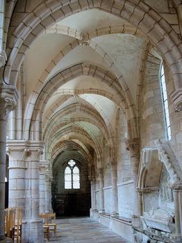 Saint-Père - Eglise Notre-Dame - Nef - Bas côté avec enfeu