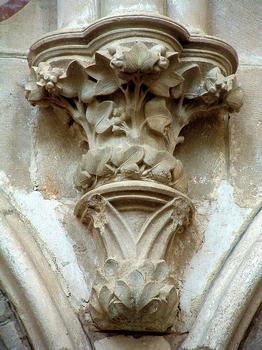 Saint-Père - Eglise Notre-Dame - Nef - Console supportant les colonnes