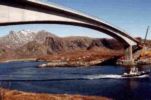 Aakviksundet Bru, Norway.