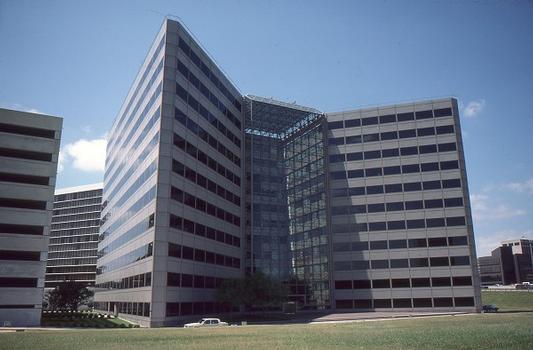 One West Loop Plaza