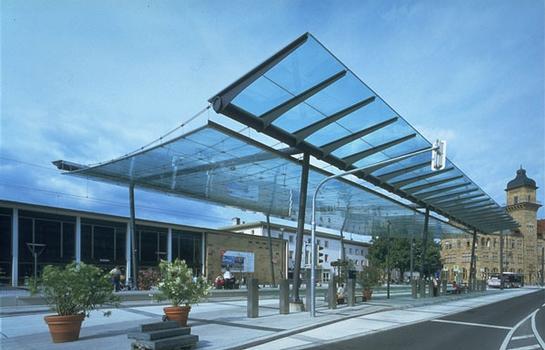 Glass Canopy for a Light Rail Station in Heilbronn