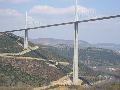 Viaduc de MillauP1 et P2