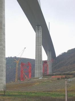 Viaduc de MillauDémontage des palées provisoires Py 5 et Py 6