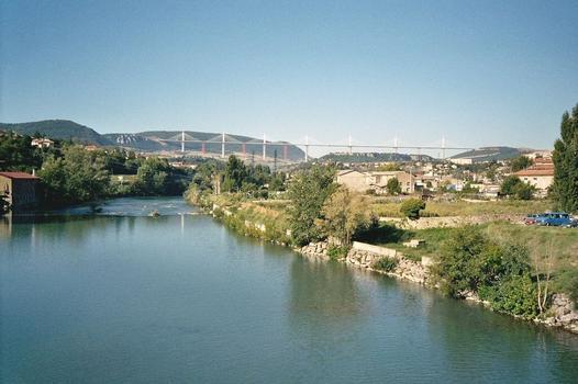 Viaduc de MillauViaduc vu du pont Lerouge
