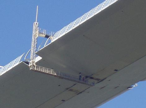 Millau-Viadukt Plattform für den letzten Schweißvorgang der Brückentafel