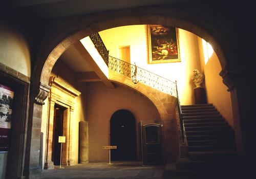 L'escalier intérieur de l'hôtel d'Estienne de Saint-Jean