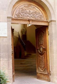 Le portail de l'hôtel d'Estienne de Saint-Jean