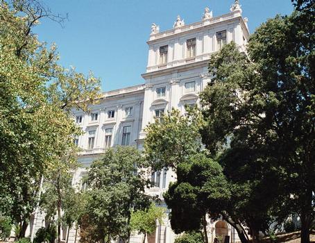 Les façades du Palais national d'Ajuda, ancien palais royal (Lisbonne)