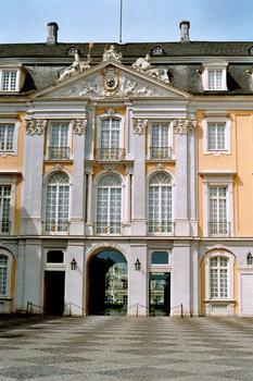 Détail de la façade du château d'Augustusburg à Brühl, de type baroque