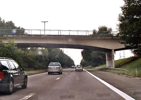 Bridge of the rue de la Botte across the E42 near Bâlâtre (Jemeppe-sur-Sambre)