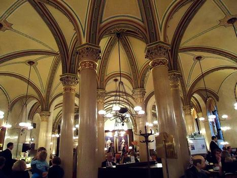 Le Café Central occupe le rez-de-chaussée du palais Ferstel, sur la Herrengasse (Vienne)