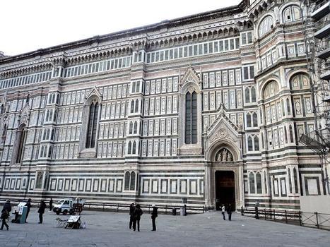 Le côté sud de la cathédrale de Florence.