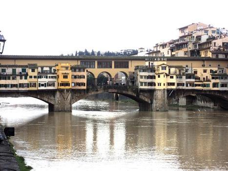 Le ponte Vecchio, sur l'Arno, à Florence