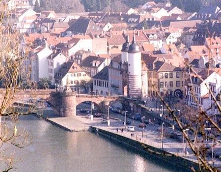 Le vieux pont sur le Neckar à Heidelberg
