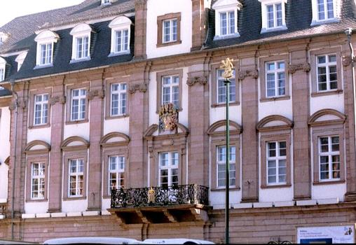 La façade de l'hôtel de ville de Heidelberg