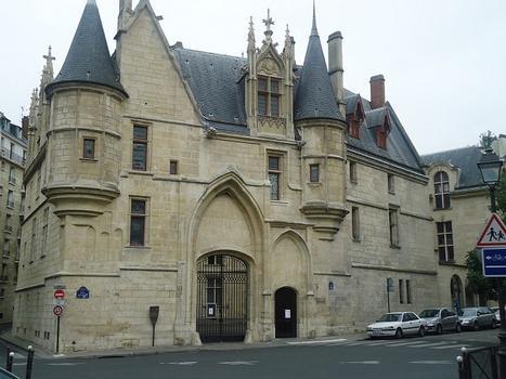L'Hôtel de Sens (Paris 4e)