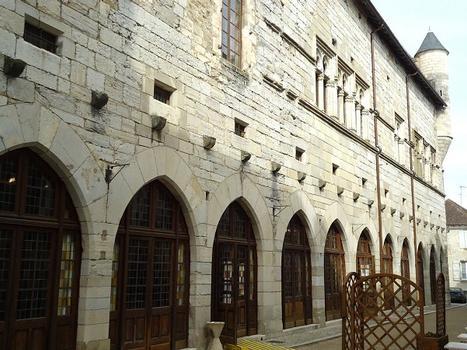 Le palais de la Raymondie, à Martel (Lot)