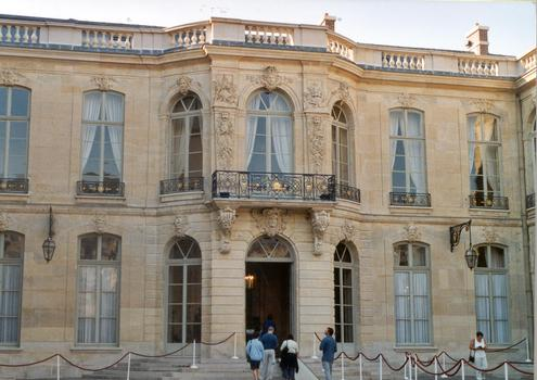 L'hôtel de Matignon, rue de Varennes, qui abrite le Premier Ministre (Paris, 7e)