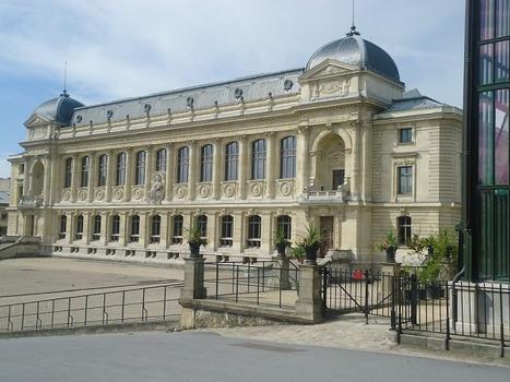 La galerie de l'évolution (ou galerie de zoologie) du Museum national d'Histoire naturelle (Paris 5e