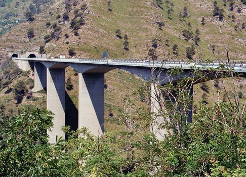 Autostrada A12 - Talbrücke östlich von Genua