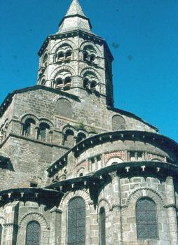 L'église romane d'Orcival (Puy-de-Dôme)