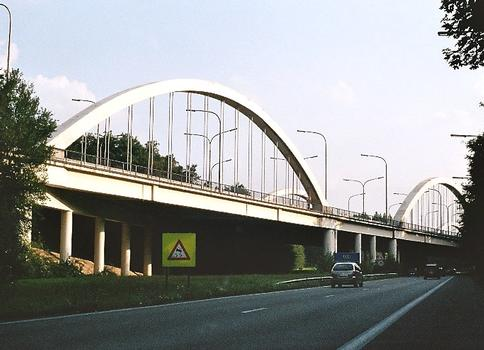 Bridge at the E19-A54 interchange at Petit-Roeulx, Nivelles.