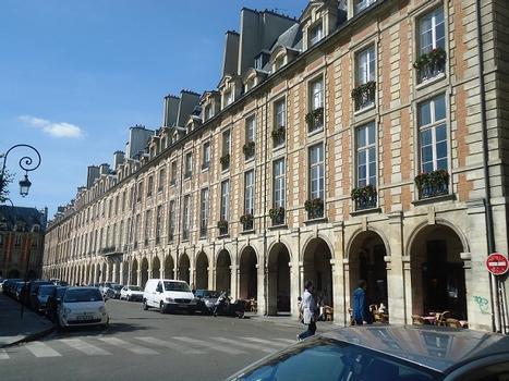 La place des Vosges (Paris 4e)