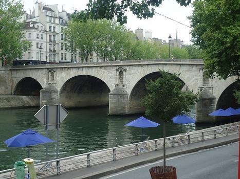 Le Pont Marie, entre l'île Saint-Louis et le quai des Célestins (Paris 4e)