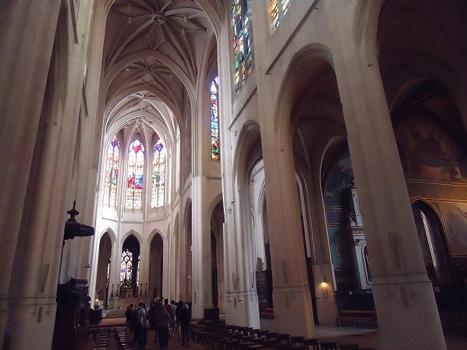 La nef et les voûtes de l'église des Saints-Gervais-et-Protais