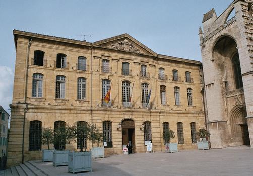 L'hôtel de ville de Saint-Maximin-la-Sainte-Baume (Var)