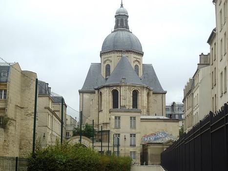 Le chevet de l'église Saint-Paul, rue St-Antoine (Paris 4e)