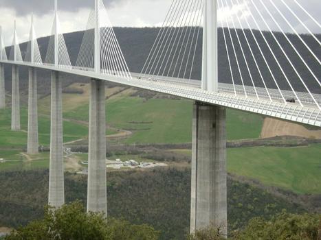 Le viaduc de Millau (autoroute A75)