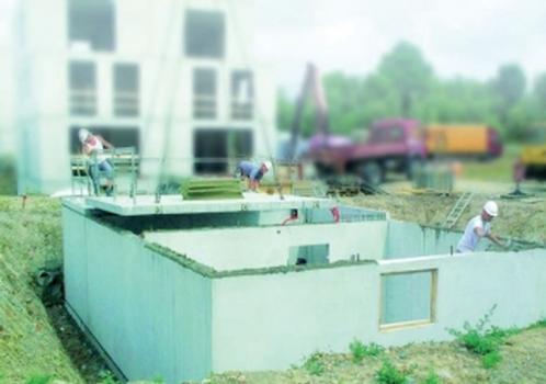 Die Elemente des neuen ZAPF-Fertigkellers kommen bereits trocken auf der Baustelle an