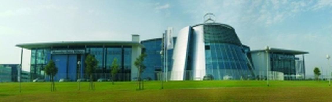 Mercedes Benz Service Center in Mailand