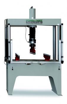 DELTA 5: Biegeprüfmaschine für Prüfungen an Stahlfaserbetonen