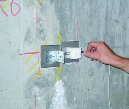 Installation eines induktiven Wegaufnehmers