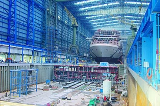 Dock in Meyer Werft nachverdichtet