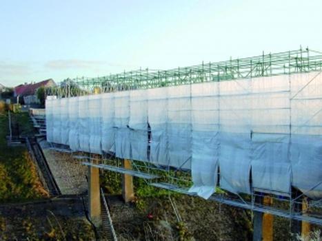 Stahlbetonbauwerke wie z. B. Brücken erfordern einen intakten Korrosionsschutz