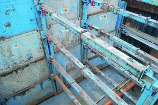 Tiefgehender Linearverbau für Baugruben