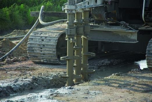 Die 3-fach Soil Mixing Ausrüstung des LRB 155 (Fotos: Liebherr)